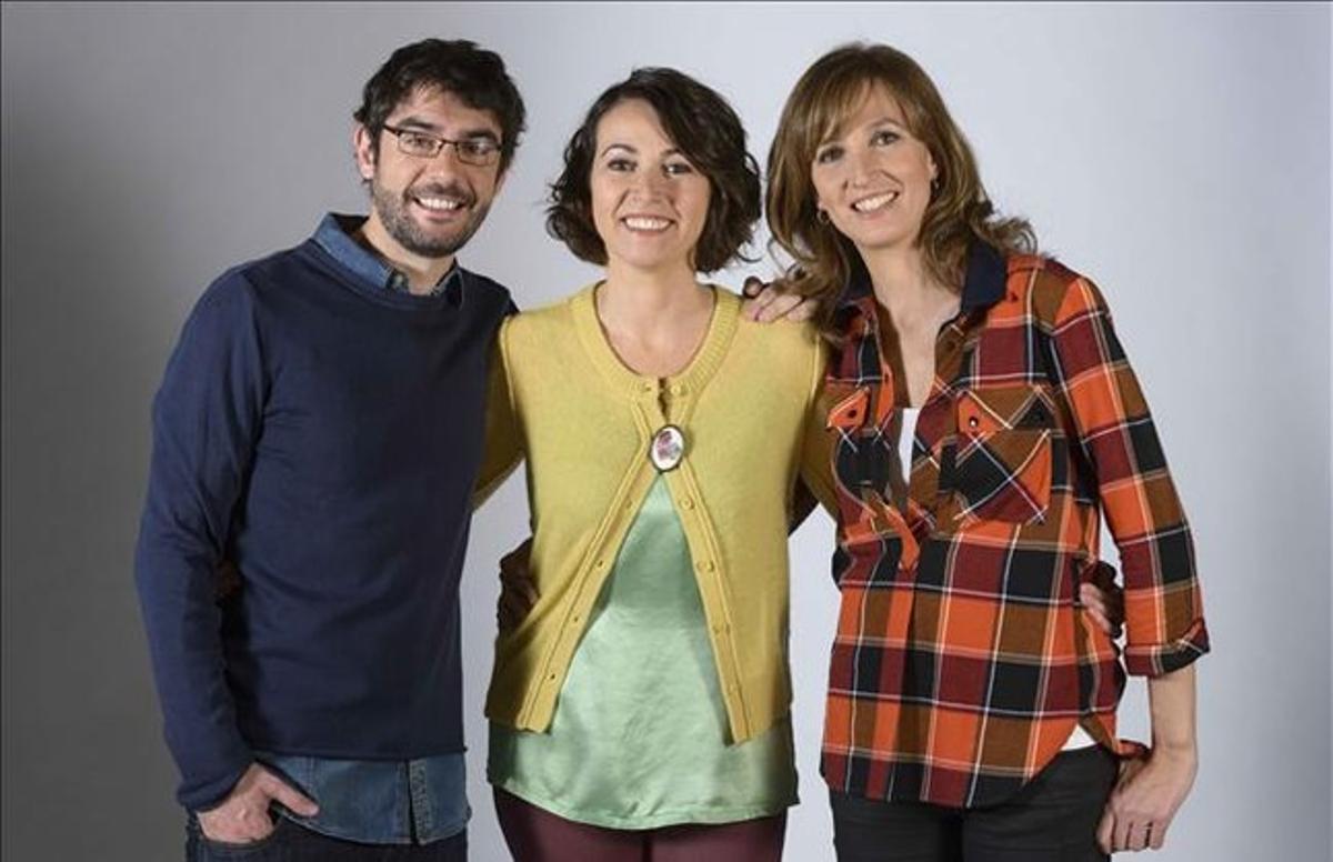 Juanra Bonet, Lídia Heredia y Samanta Vall, presentadores de 'Lletra petita'.
