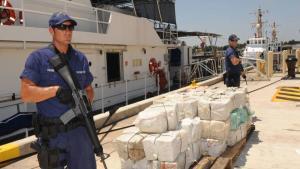 Los operativos coordinados entre varios países para combatir el narcotráfico.
