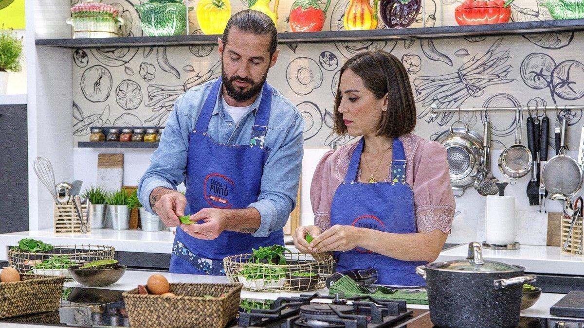 Javier Peña y Tamara Falcó, en 'Cocina al punto con Peña y Tamara'.