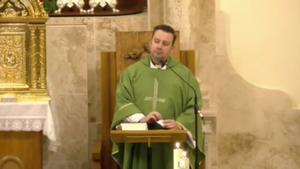 El cura de Valdepeñas en su sermón más viral.