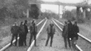 Una abstracta imagen promocional de Godspeed You! Black Emperor.