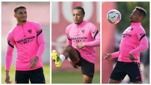 Diego Carlos, Koundé y Fernando, en un entrenamiento del Sevilla.