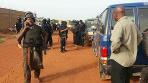 Les víctimes són un soldat local i cinc ciutadans estrangers.
