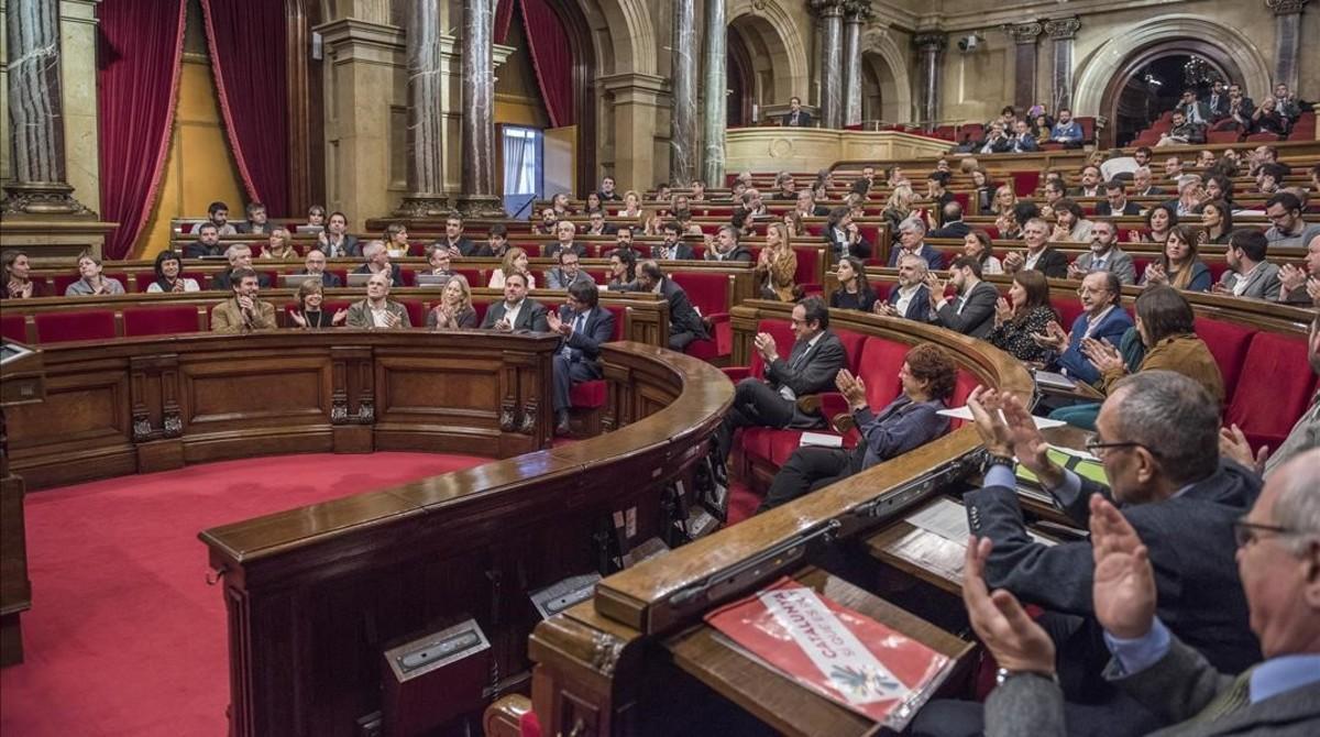 Votación en el Parlament sobre el proyecto de ley de vivienda.