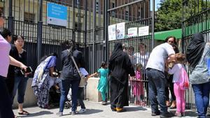 Els pares sense plaça de P-3 rebutgen la proposta de l'Administració