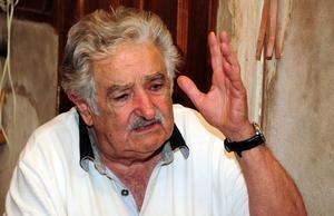 José Alberto Mújica.