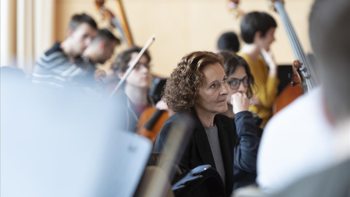 Marta Angelat, entre los jóvenes músicos de la Esmuc.