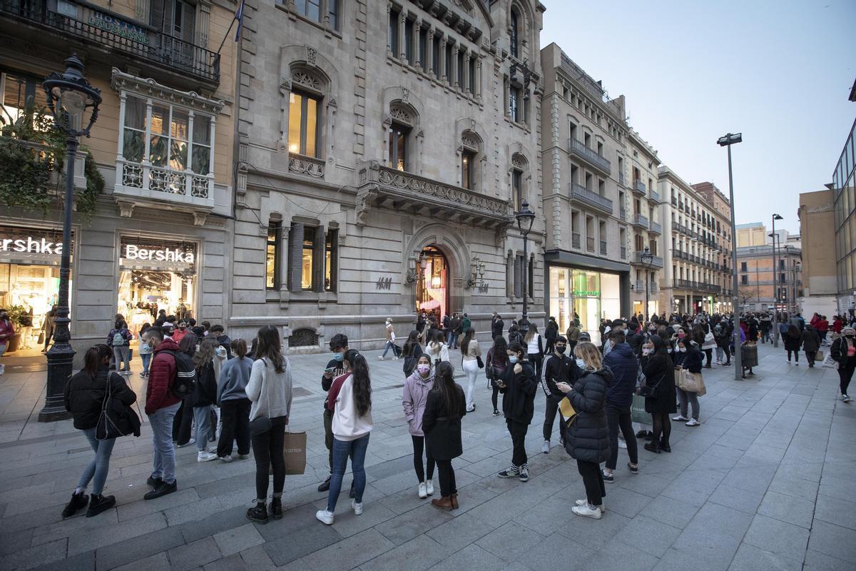 Espanya abandona el nivell d'alt risc d'expansió de la Covid