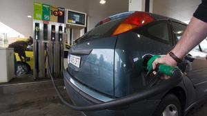 La inflación sube al 0,4 % en noviembre por los carburantes y los alimentos.