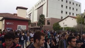 Universitarios de la UVIC se moviliza hacia el centro de Vic.