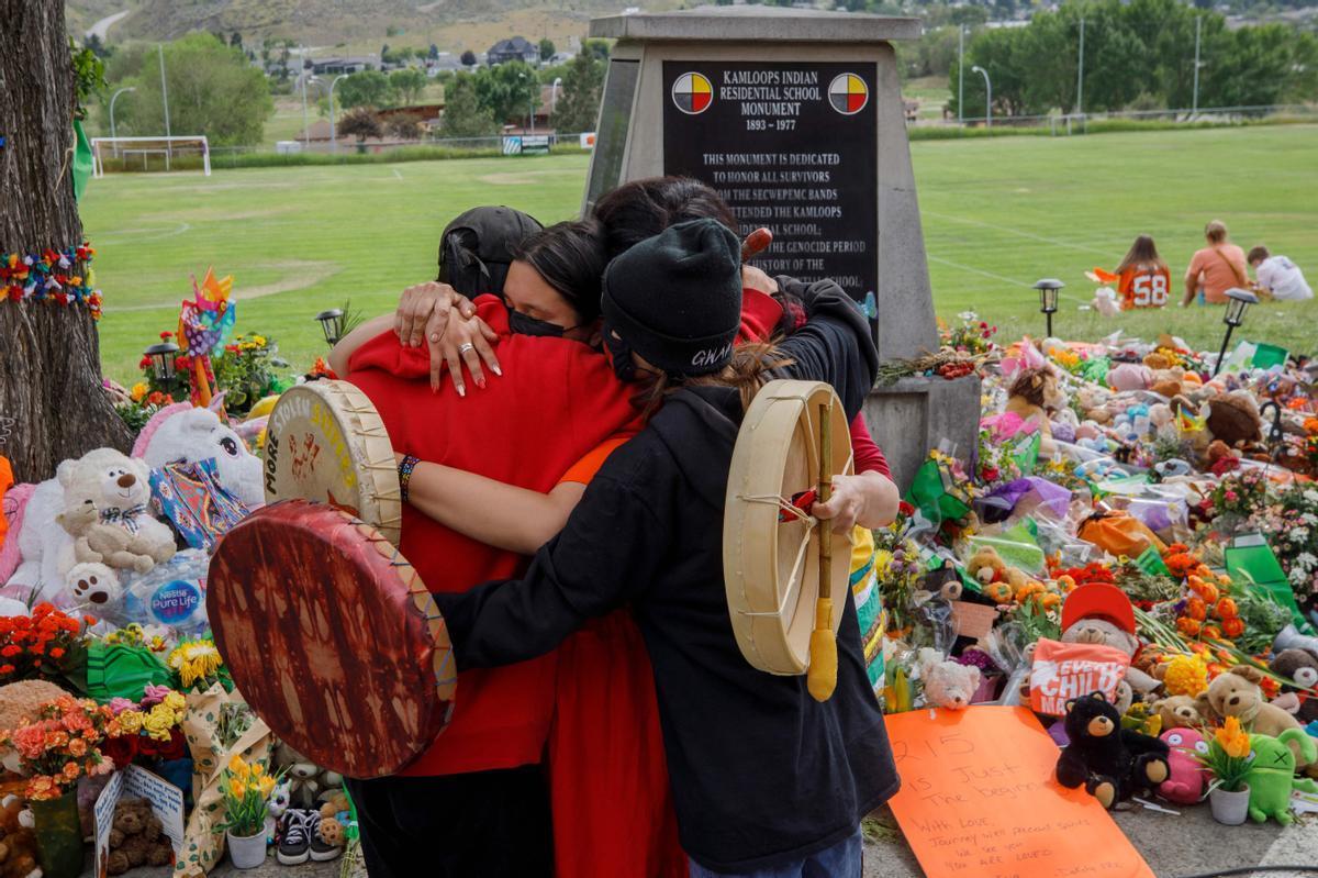 Conmoción por el hallazgo de 751 tumbas indígenas en Canadá.