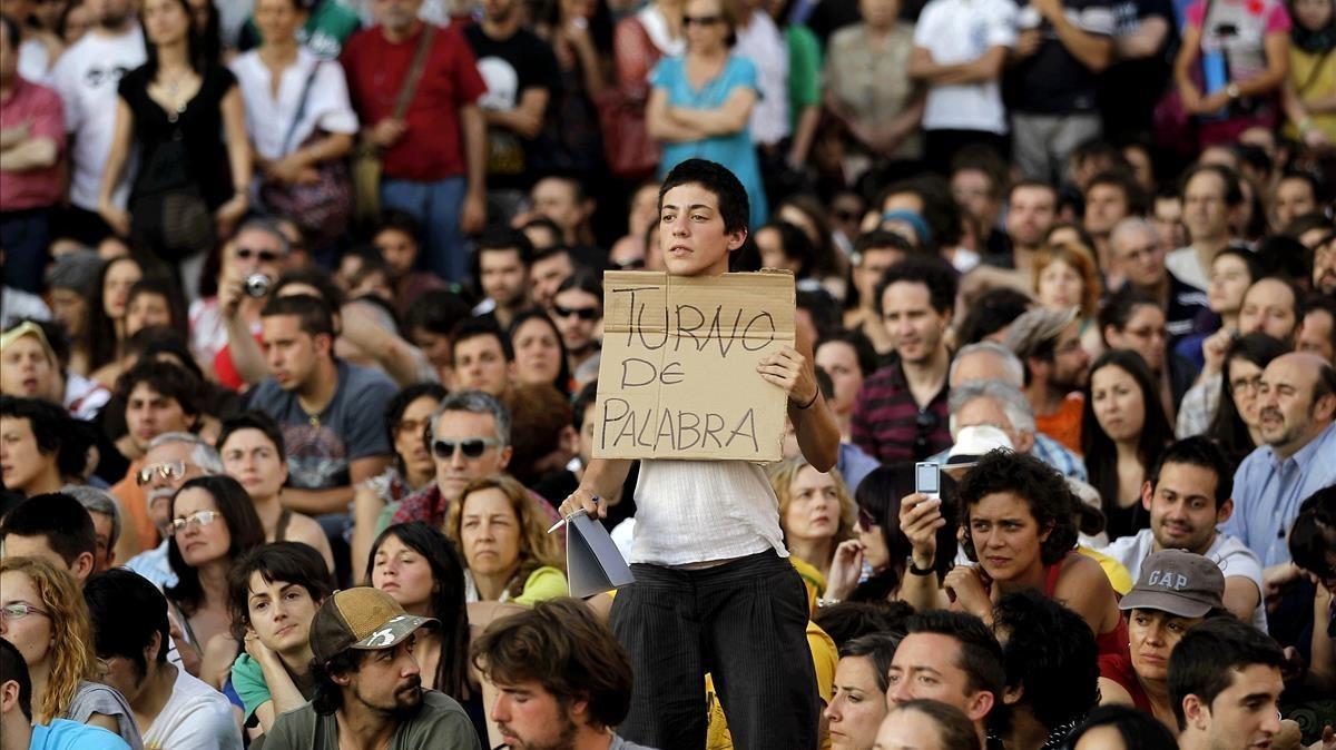Fotografía del movimiento 15-M acampado en la Puerta del Sol en mayo del 2011.
