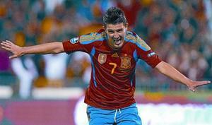 Villa celebra uno de los dos goles que marcó a la República Checa, el pasado viernes en Granada.