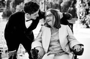 Sergi Roberto y su madre, Maria Rosa.