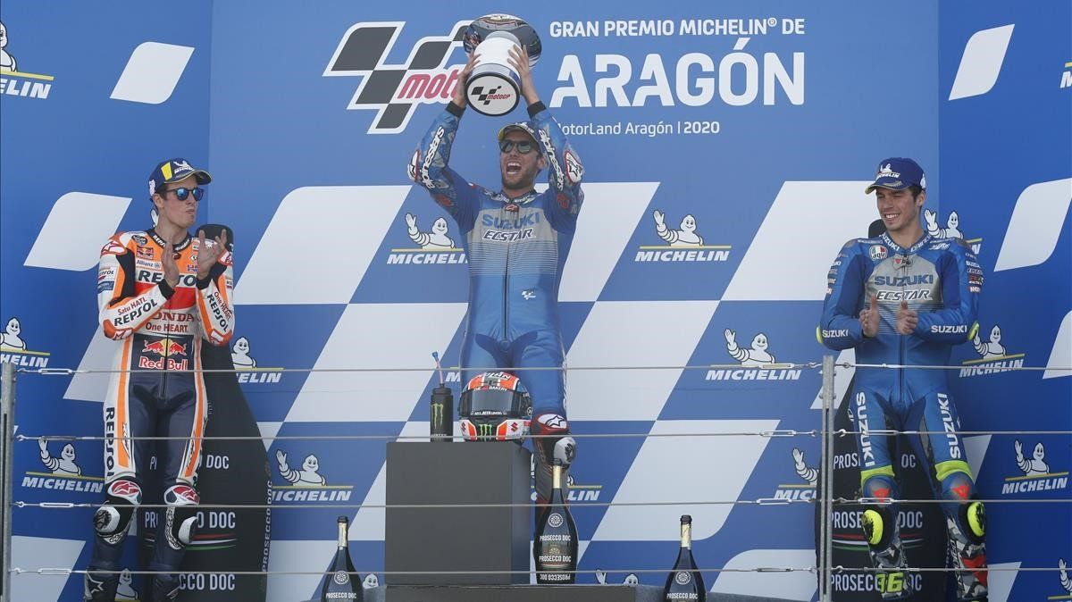 Álex Rins (Suzuki) gana el GP de Aragón seguido de Álex Márquezy Joan Mir que ha acabado tercero.
