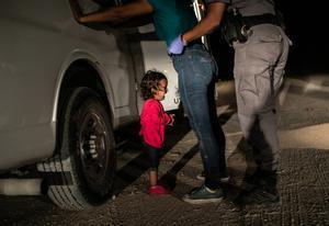 Fotografía tomada por John Moore el 12 de junio de 2018 en la frontera con EEUU, que ha ganado el World Press Photo 2019.
