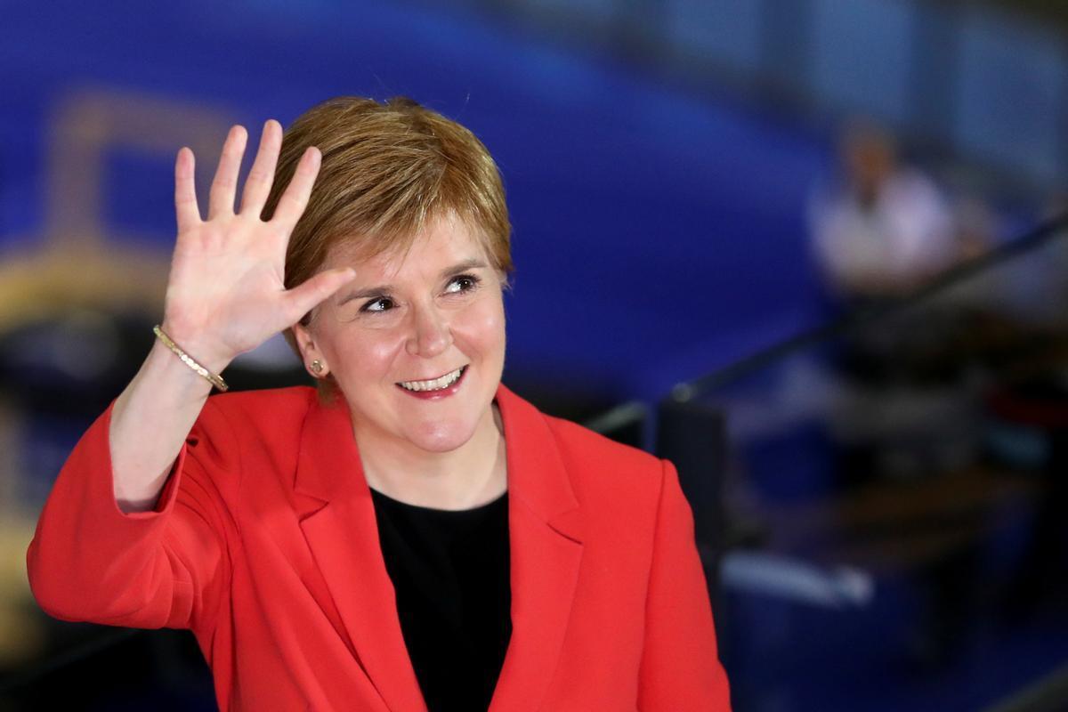 Sturgeon reclama el dret «fonamentalment democràtic» a un segon referèndum després de vèncer a les eleccions d'Escòcia