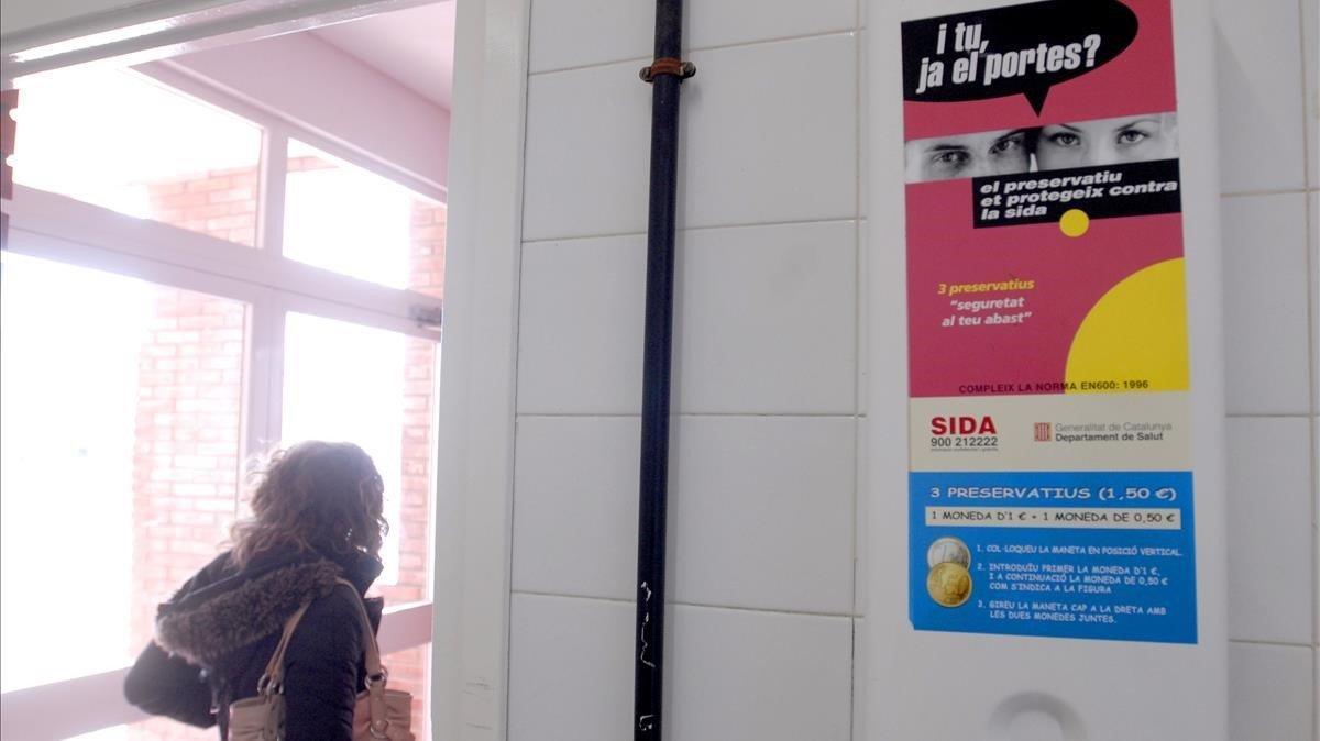 Absolt un home que afrontava 4 anys de presó per treure's el condó sense permís a Barcelona