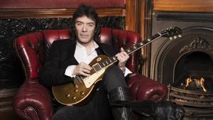 El guitarrista Steve Hackett.