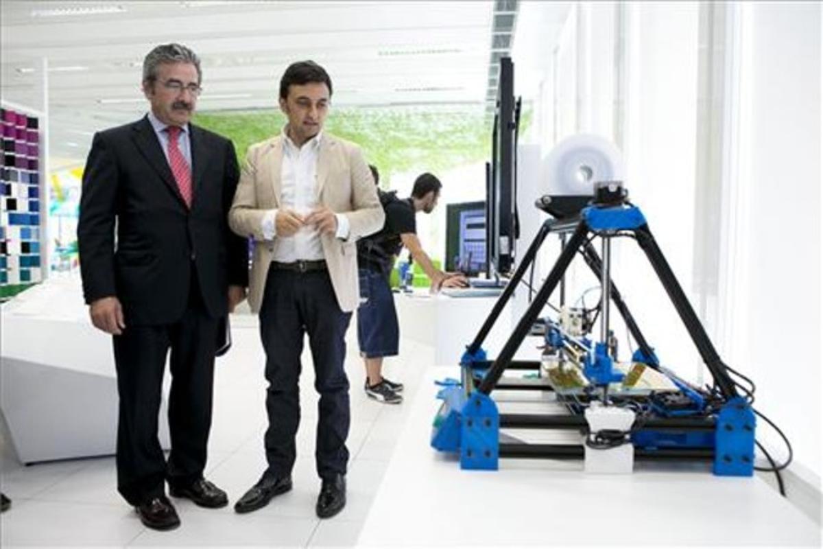 Kim Faura y Pablo Rodríguez, de Telefónica.