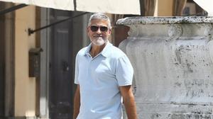 Clooney torna al treball després de tenir un accident de moto
