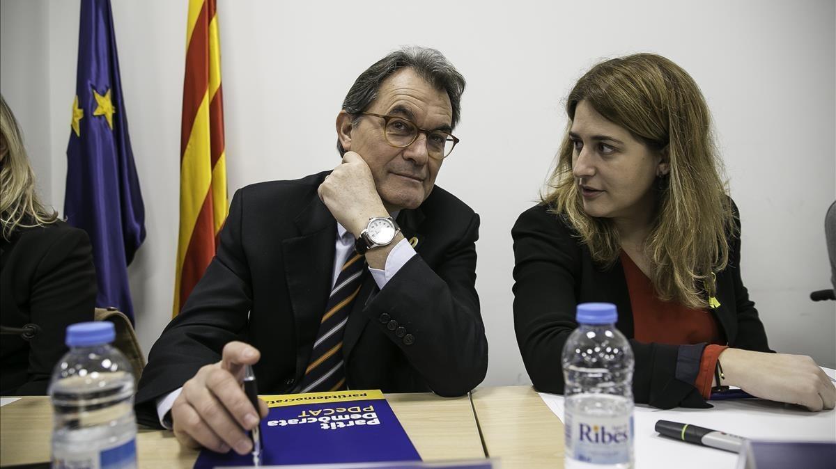 El presidente del PDECat, Artur Mas, y la coordinadora general, Marta Pascal, en la reunión de la ejecutiva del partido, este lunes.