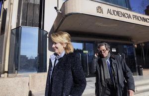 La expresidenta madrileña Esperanza Aguirre,saliendo del juicio por el espionaje político.