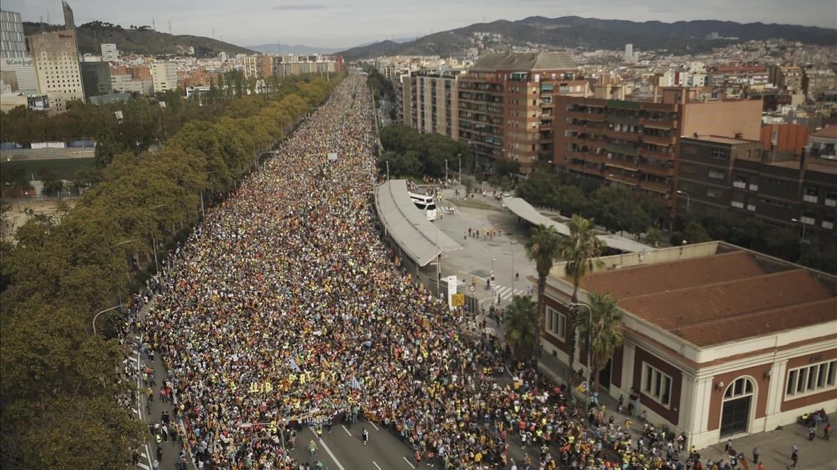 Llegada de la 'Marxa per la Llibertat' por la Meridiana, a la altura de Fabra i Puig.