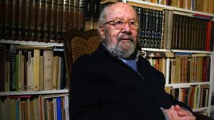 José Manuel Caballero Bonald, en su casa de Madrid en el 2012.