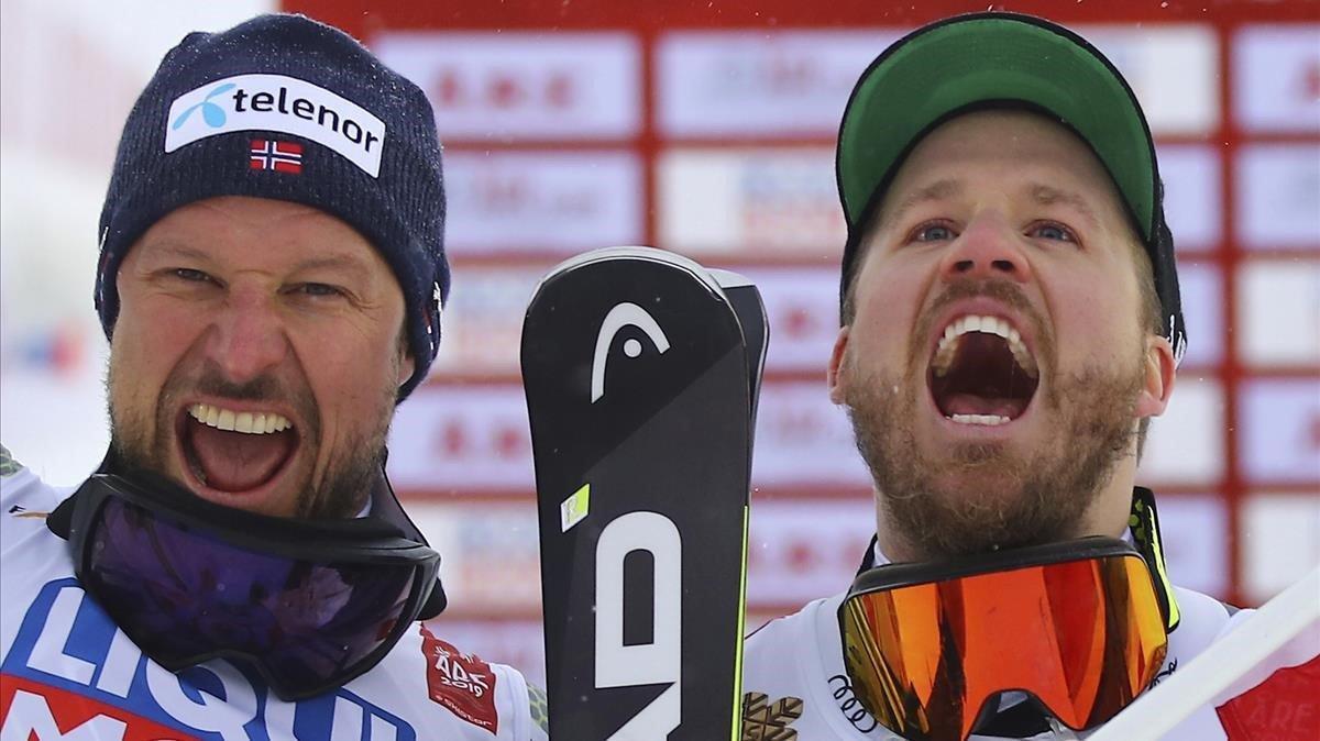 Svindal (izquierda) y Jansrud celebran su doblete en el descenso del Mundial de Are.