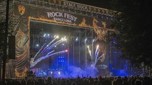Ambiente y publico en la primera jornada del ROCK FEST en Can Zam