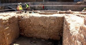 Imagen de la muralla romana descubierta en Tortosa.
