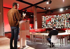 El presidente del Gobierno y secretario general del PSOE, Pedro Sánchez, durante la reunión semipresencial del último comité federal del partido, el 23 de enero, en Barcelona.