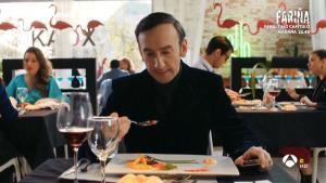 El crítico gastronómico instantes antes de morir ('Cuerpo de élite', A-3 TV).