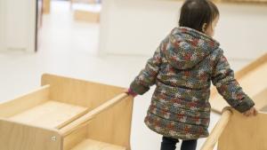 Una niña en una escuela de Barcelona.