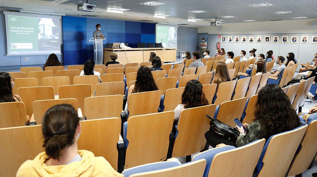 Les universitats catalanes encara faran classes presencials dimarts i dimecres