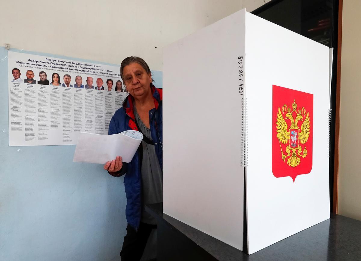 Els russos elegeixen els seus diputats en unes qüestionades eleccions legislatives