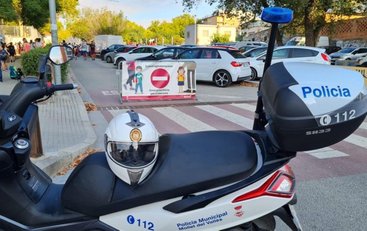Campaña de seguridad vial de la Policía Municipal de Mollet del Vallès.