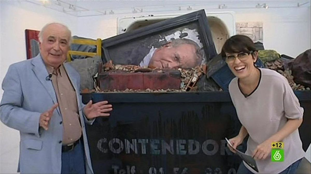 Thais Villas con Cristóbal Toral y su obra, en'El intermedio' (La Sexta).