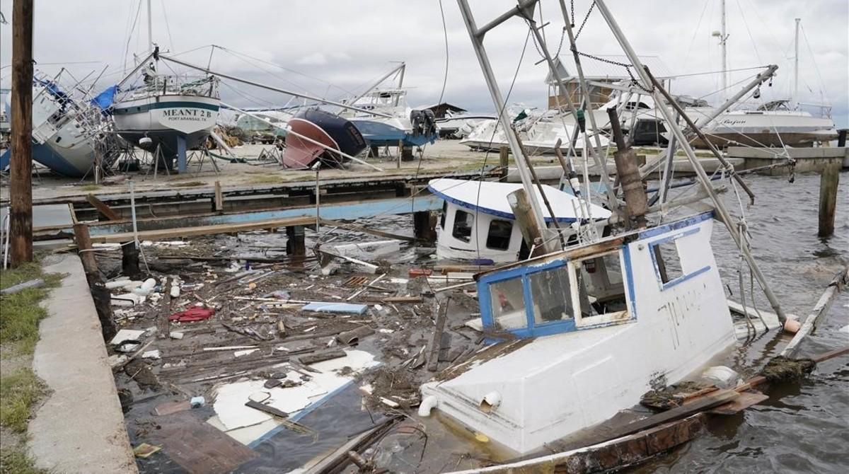 Varias embarcaciones dañadas por el huracán cerca de la localidad deRockport, enTexas.