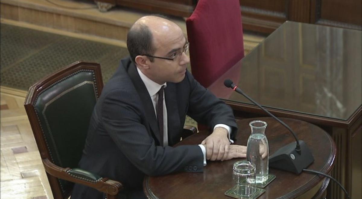 Felipe Martínez Rico, subsecretario de Hacienda desde noviembre de 2016 a junio de 2018, detalló ante el tribunal del 'procés' cómo se fue incrementando el control de las cuentas de Catalunya.