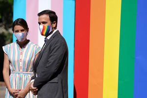 Los ministros Irene Montero y Alberto Garzón en el acto institucional del Día del Orgullo LGTBI.
