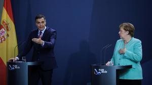 La Cancillera Angela Merkel y Perdo Sánchez en Berlin