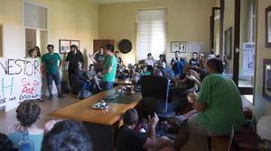 Protestade estudiantes en la Universitat de Lleida por la presencia policial en el centro.