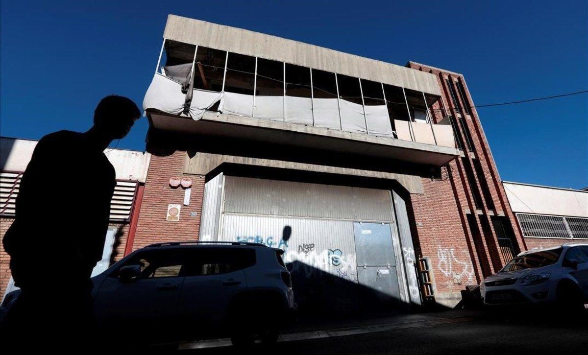 La nave industrialabandonada en Sabadell donde fueron detenidos seis presuntos agresores.