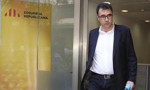 Desagradable conversación entre el exsecretario de Hacienda, Lluís Salvadó,y otro interlocutor sobre la búsqueda de una mujer para Ensenyament.