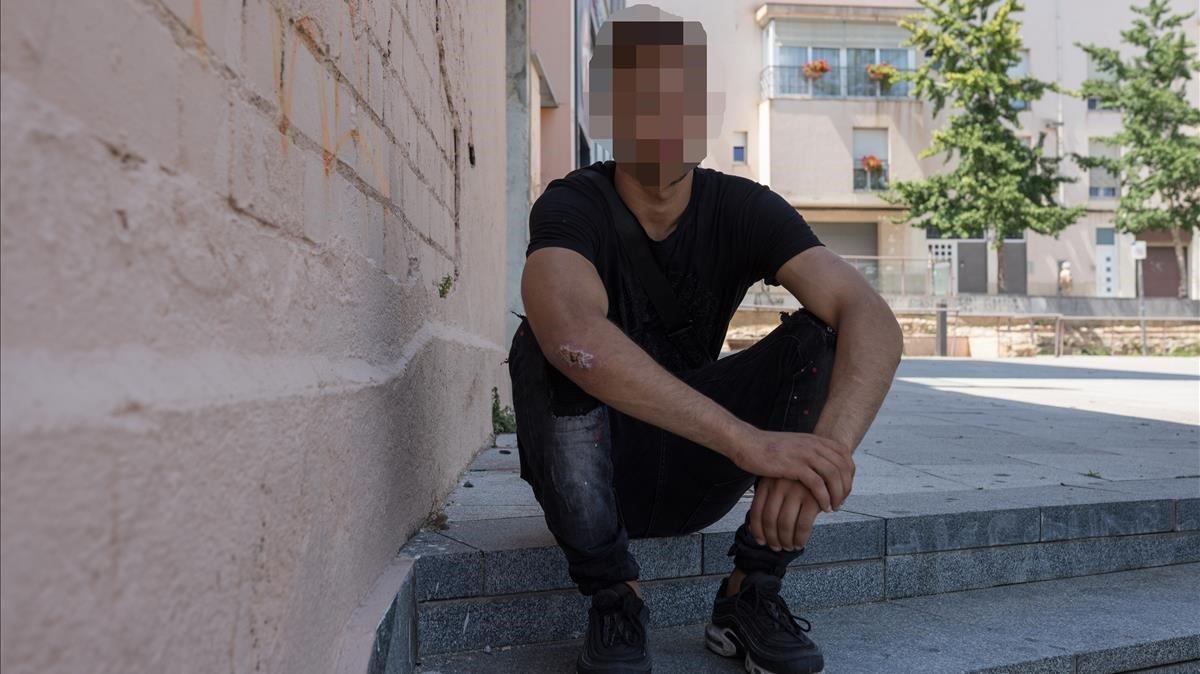 Un joven extutelado por la DGAIA en un piso ocupado del Maresme