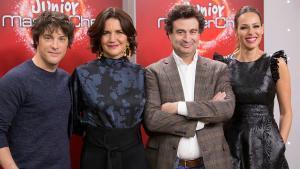 Jordi Cruz,Samantha Vallejo-Nágera yPepe Rodríguez, junto a la presentadora Eva González.