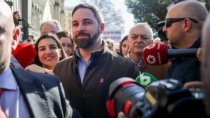 Parte de los agricultores concentrados en Madrid piden a Vox que se vaya de la manifestación.
