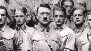 Adolf Hitler, en una de las imágenes de la miniserie documental 'El oscuro carisma de Hitler'.